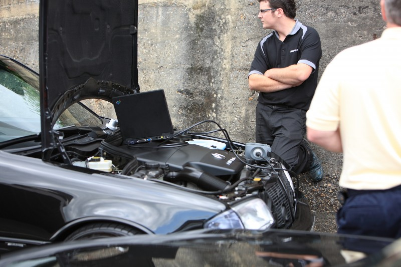 Prestige Car Service: Mercedes Benz & Smart Specialists